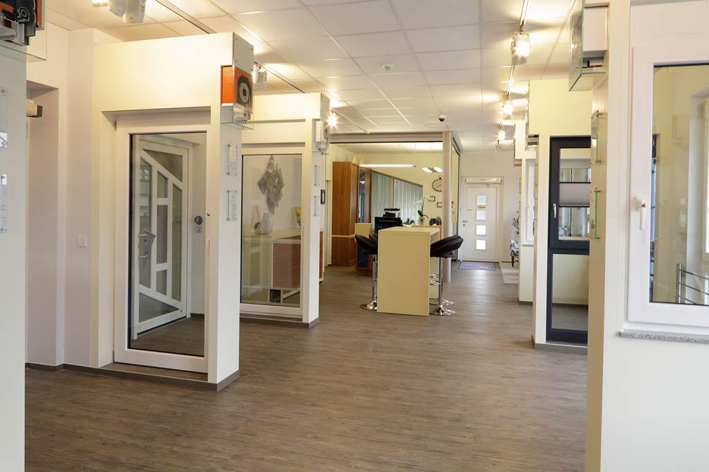 LÖWE Fenster & Türen - Ausstellung in Kleinwallstadt